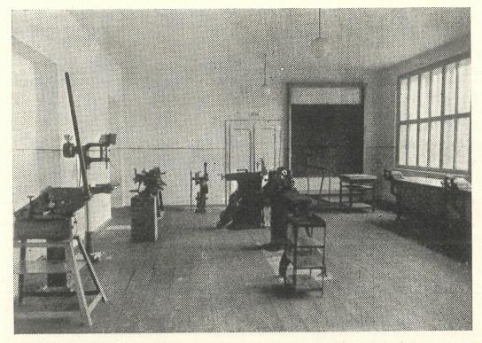 strojnicka dilna v zivnost skole